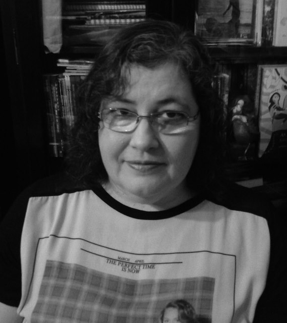 Escritora Helena Gomes