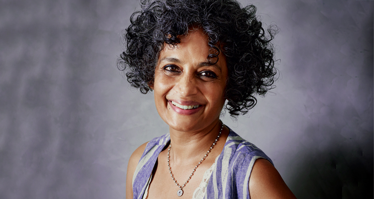 Arundhati Roy  literatura asiática