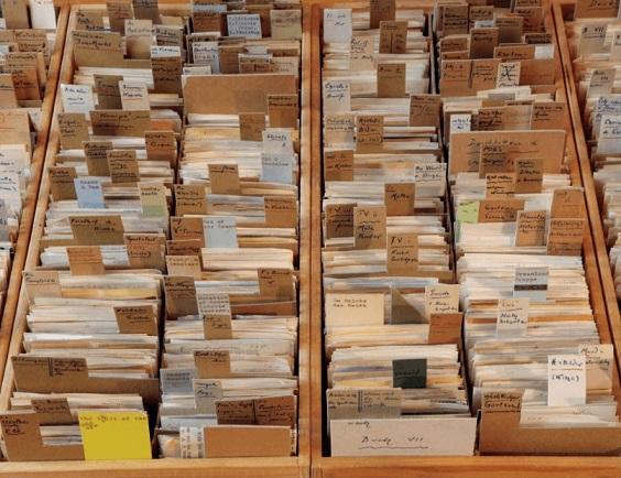 imagem de caixas catalograficas sem tema aparente